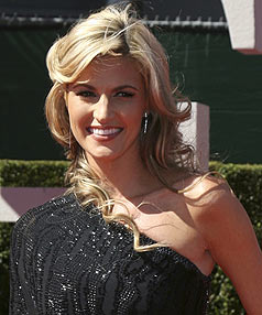 ESPN reporter Erin Andrews walks the red carpet to the 2009 ESPY Sports Awards in Los Angeles.
