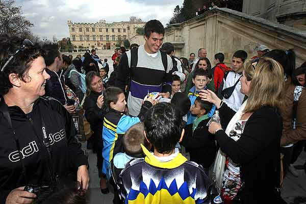 All Black lock Anthony Boric is surrounded by fans during a sightseeing trip some squad members took to Avignon about 85kms away Marseille.