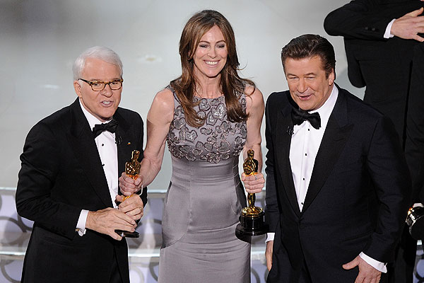 The Hurt Locker wins best picture Oscar