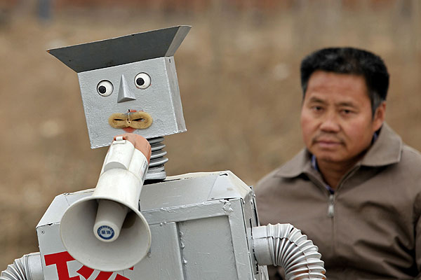 China's 'robot dad' aims to show inventions to world