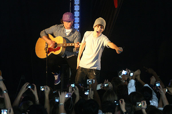 YOU SING THE CHORUS: Singing sensation Justin Bieber performs for pupils of Strathallan School, Papakura.