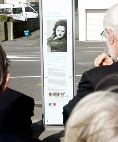 The Nancy Wake heritage pylon is unveiled in Oriental Pde