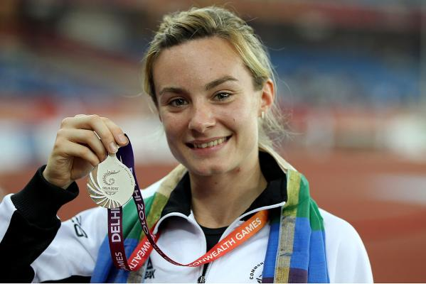 New Zealand's Nikki Hamblin with her silver after the medal ceremony for the women's 800m at the Comm