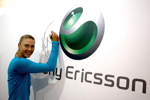 Maria Sharapova visits the Sony Ericsson booth during day four of the 2010 China Open.