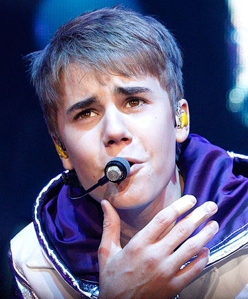 pictures of justin bieber in israel. Justin Bieber can#39;t get