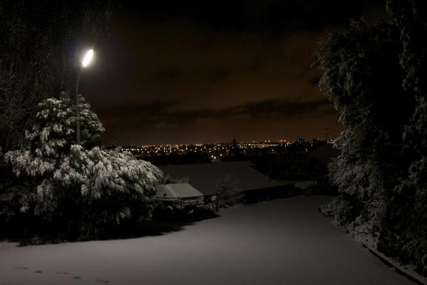 Snow in the suburb of Cashmere, Christchurch.