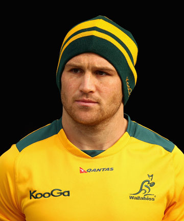 Matt Giteau earned a  million dollar salary, leaving the net worth at 1 million in 2017