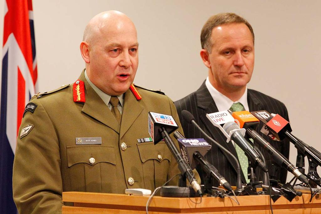 Lieutenant General Rhys Jones with Prime Minister John Key