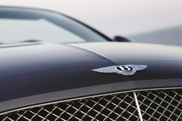 Bentley-Continental-GTC-grille-g