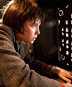 Asa Butterfield as Hugo