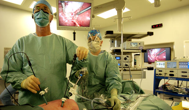 robotic assisted surgery analysis The goal of this review is to outline the history of robotic surgery,  benefit analysis appears to vary  medical robotics and computer assisted surgery,.