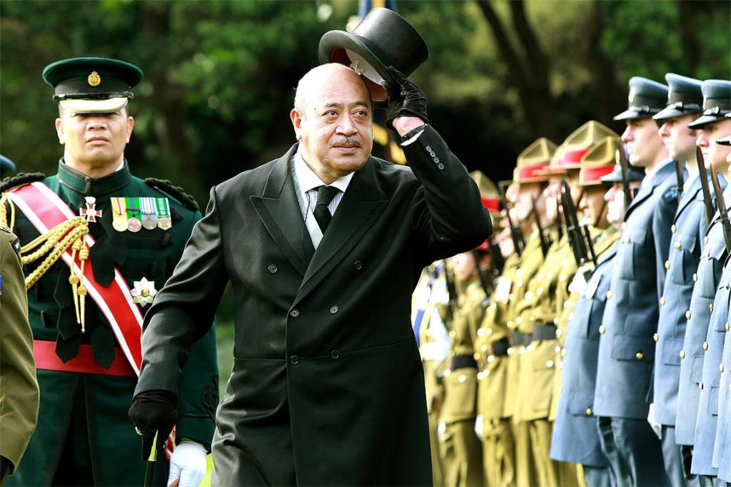 Tupou V at a state ceremony held at Government House in Wellington in 2011, inspecting the Guard of Honour.