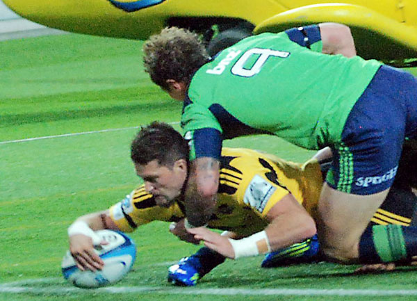 Hurricanes vs Highlanders