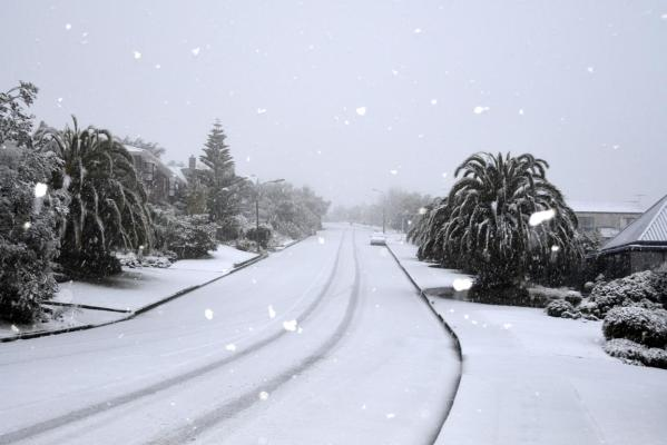 Snow falls in Westmorland, Christchurch.