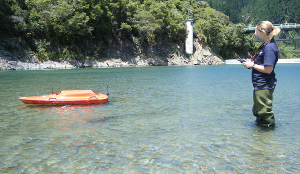Remote-controlled boat