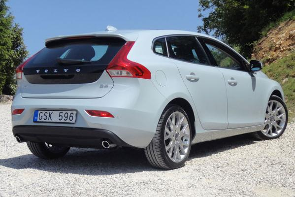 volvo v40 a game changer road tests motoring. Black Bedroom Furniture Sets. Home Design Ideas