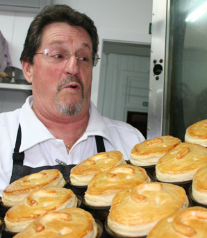 Winning pies - Marton - Ray Cooper
