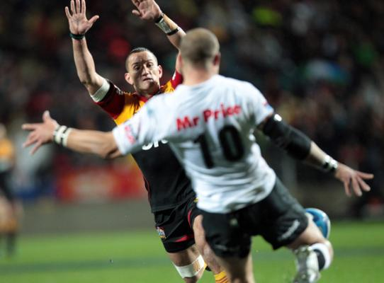 Aaron Cruden left c