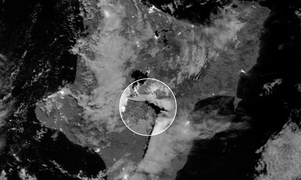 Tongariro eruption low light satellite image