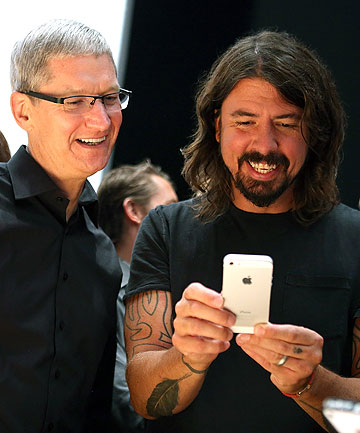 Tim Cook and Dave Grohl