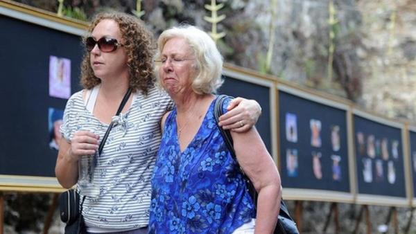 Australians remember Bali bombing victims ten years on