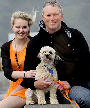 Shane Pattinson with daughter Casey and cavoodle Bonnie