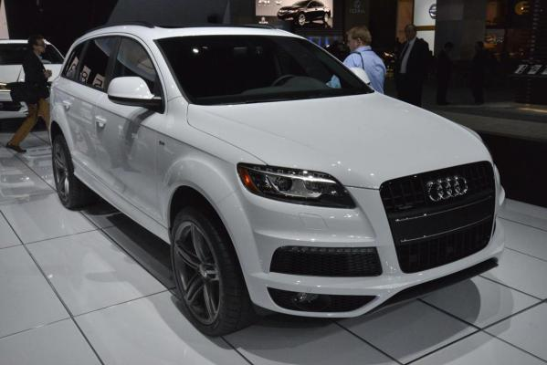 The Audi Q7 at the 2012 Los Angeles Motor Show.