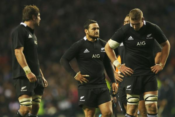 The All Blacks after their loss to England.