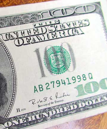 US$100 note.