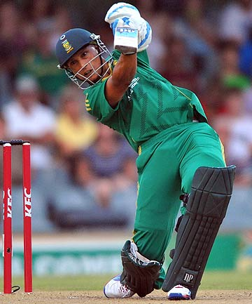 South Africa's Henry Davids smashes a four during the Twenty20 match against New Zealand at Buffalo Park.