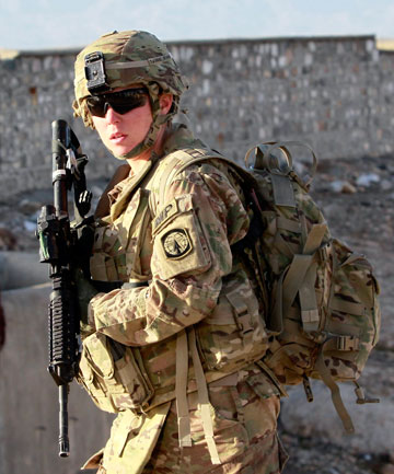 US woman soldier
