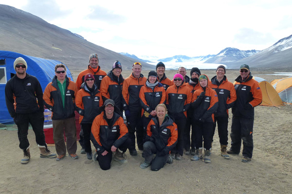 John Key visits an Antarctica New Zealand Field team in the Dry Vallley