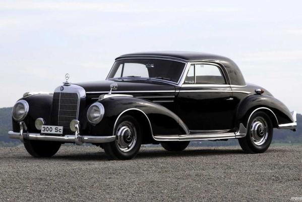 A 1955 300 SC Mercedes-Benz which Gullwing America's 2012 Mercedes-Benz roadster is based on.