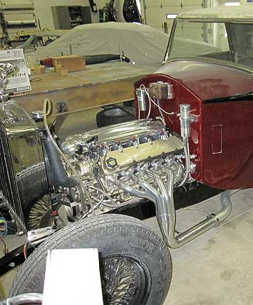 A Viper V10 engine sits in a 1930 Rolls-Royce.