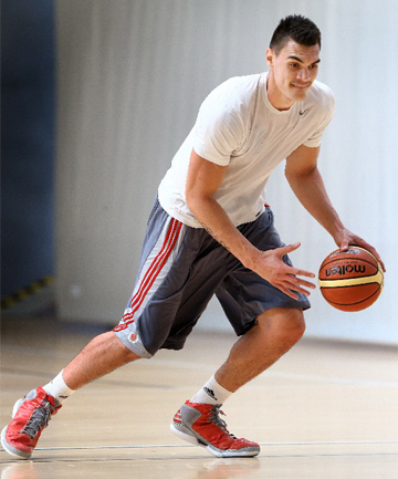 Steve Adams - Basketball