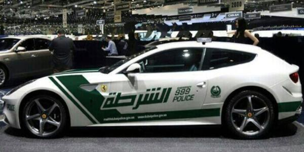 A Ferrari FF in Dubai police colours.