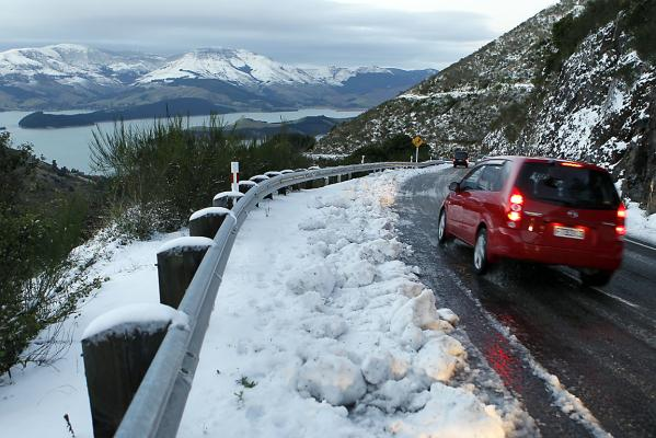 Snow on Dyers Pass Rd
