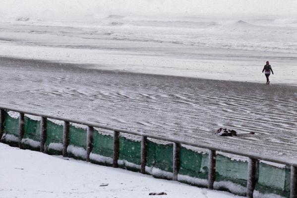 New Brighton Beach snow