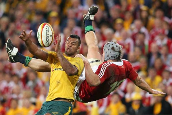 Jonathan Davies and Kurtley Beale