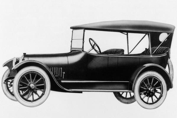 1916 Buick Model D-45 Touring.