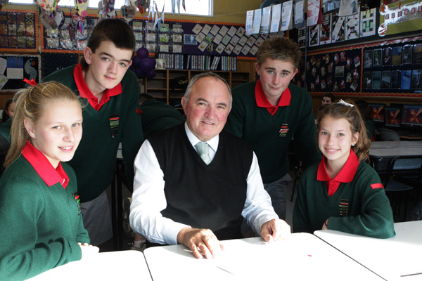 Richard Paton, principal of Chisnallwood Intermediate School in Christchurch with Year 8 students Grace Roland (left), Rod Ching, Ben Nicholls and Sophie Yeoman.