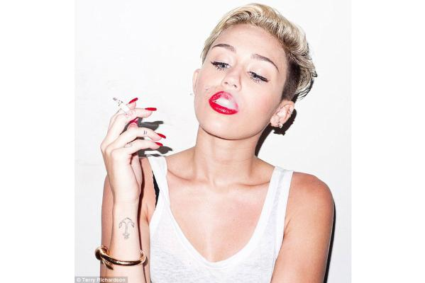 Miley's racy photoshoot