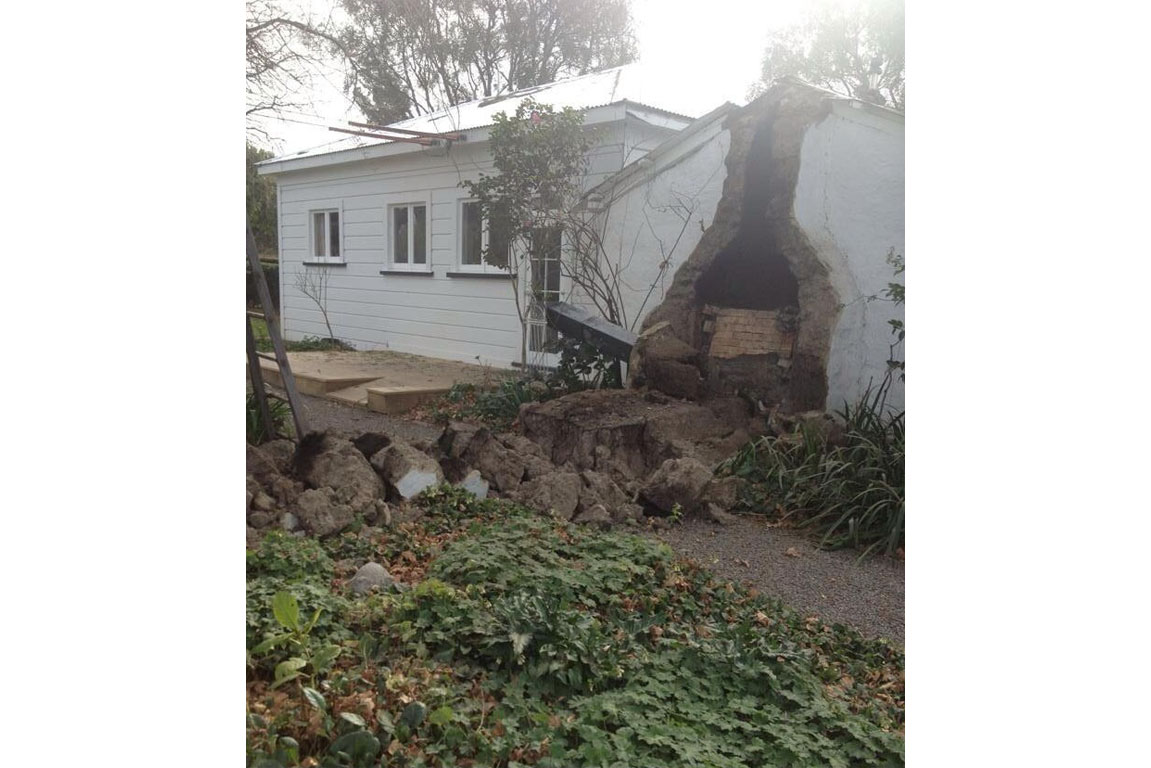 TV's Sam Wallace tweets photo of damaged house