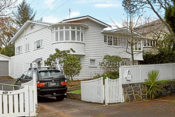 Abandoned houses for sale new zealand for New zealand mansions for sale