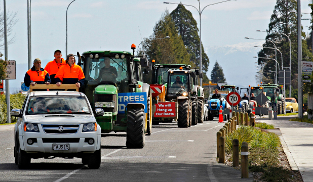 Hastings tractor protest