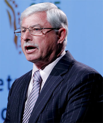 Sir Richard Hadlee stndrd
