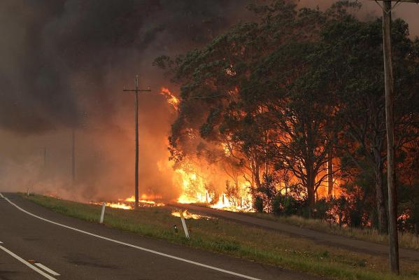 Wildfire near a fire command centre at Raymond Terrace.