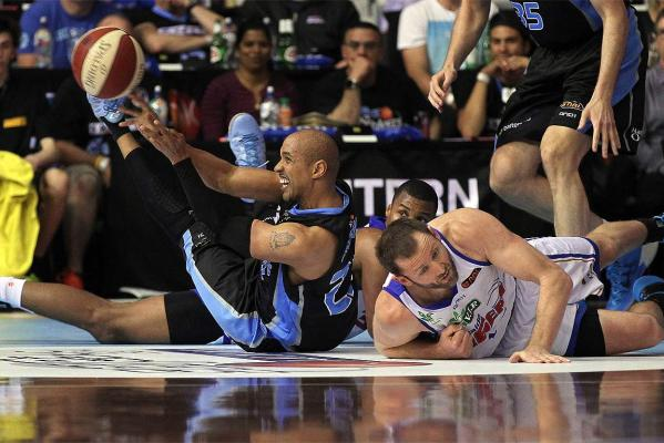 New Zealand Breakers 2013/14 season