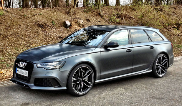 Audi's new V8-powered RS6 Avant full