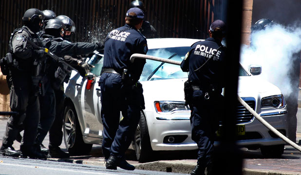 Police at suspected bomb car, Sydney